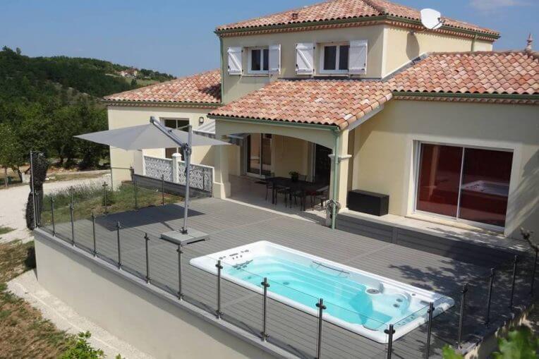 Einen Swimmingpool für Ihr Zuhause oder doch einen SwimSpa ...